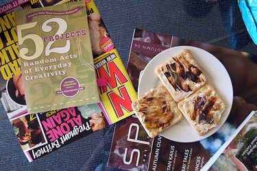 Snack_and_mags