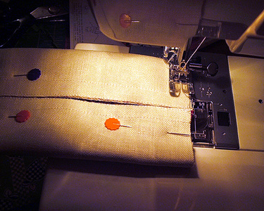 Tht_sewing_the_holder